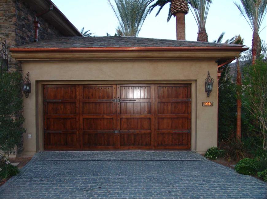 Puertas de Madera Mediterráneo by SAGSA Doors and Gates